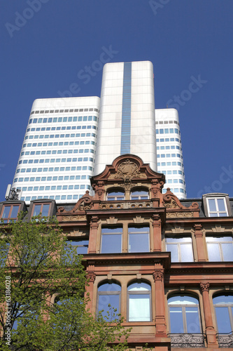 Gebäude - Gegenwart und Vergangenheit