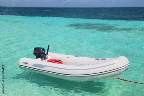 Fotobehang Caraïben Inflatable dinghy