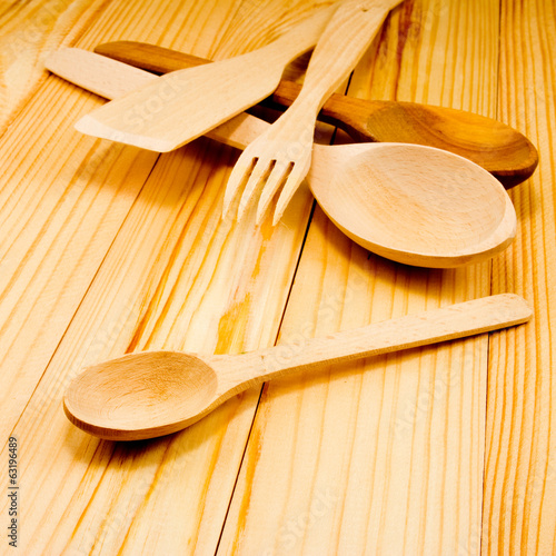 image of of wooden kitchen utensils on wooden table