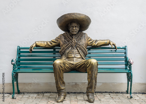 Poster Standbeeld Mexican man statue