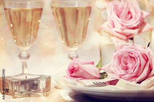 Tuinposter Buffet, Bar Dinner table with beautiful pink roses