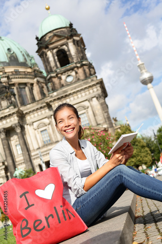 canvas print picture Tourist in Berlin, Germany on travel