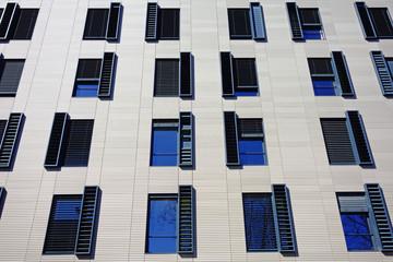 Fenêtres symétriques