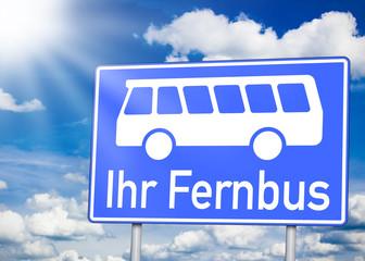 Schild mit Bus und Ihr Fernbus