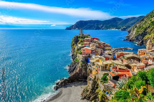 Leinwanddruck Bild Scenic view of colorful village Vernazza in Cinque Terre