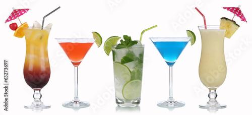 Papiers peints Cocktail Gruppe von Cocktails isoliert