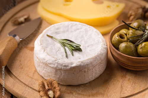 Brie cheese with olives