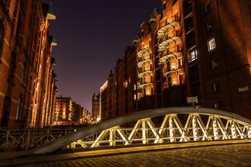 nachts in der Speicherstadt von Hamburg