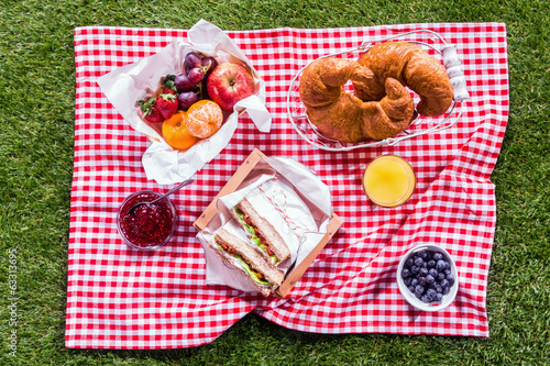 Fresh healthy summer picnic lunch