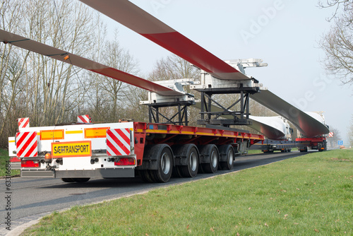 Schwertransport: Windturbine Transport