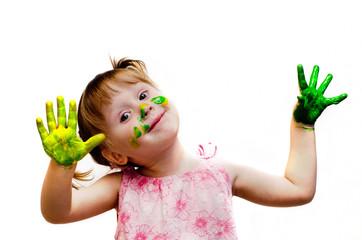 Девочка рисует, красочный мир