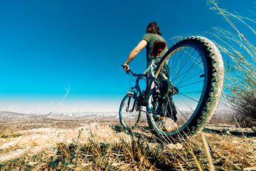 Paisaje y bicicleta.Estilo de vida y deporte
