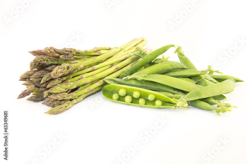 asparagus and green peas