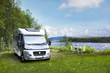 Reisemobil  am Fluß - 63358250