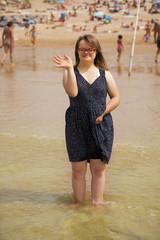 jeune fille trisomique à la mer