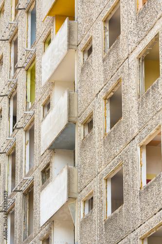 canvas print picture Fassade, Entkernter Plattenbau vor Abriss