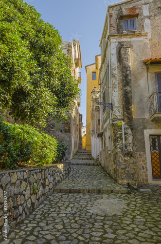 narrow street of the old Italian city