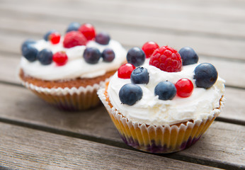 muffins with fruits