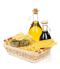 Pasta with olive oil and vinegar