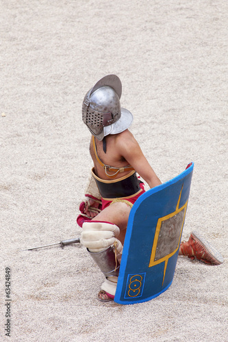 gladiator awaiting the verdict of public