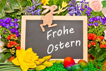 Frohe Ostern vor bunten Blumen
