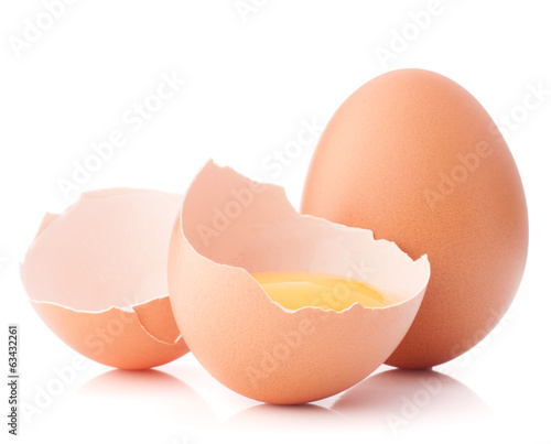 Breaking egg isolated on white background cutout