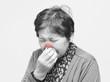 鼻炎の女性
