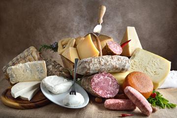 formaggi e salumi italiani composizione