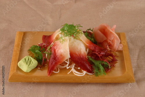 Sashimi with molluscs and hokkigay