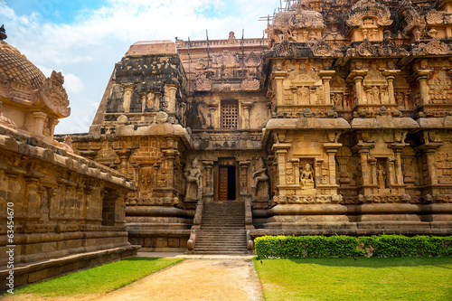 Great architecture of Hindu Temple dedicated to Shiva, entrance
