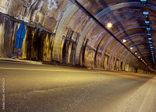 canvas print picture Road tunnel, lit - no traffic