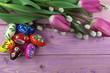 pisanki w tulipanach i baziach