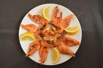 Plato tipico de españa, gambas a la plancha, dieta mediterranea