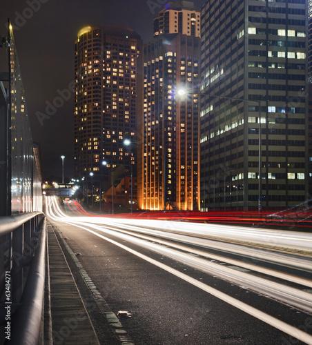 sydney-cbd-road-scheinwerfer-sonnenuntergang