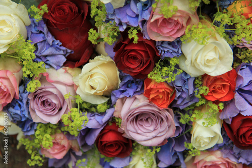 Deurstickers Hydrangea Roses and hydrangea wedding arrangement