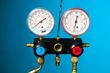 pressure and temperature control meter