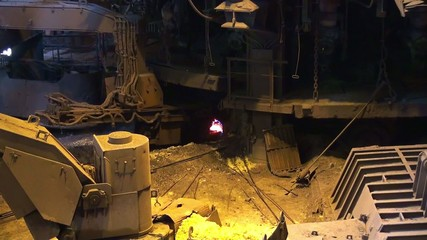 Smelting of liquid metal from blast furnace