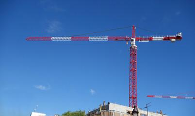 Vue panoramique d'un chantier urbain
