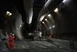 Leinwanddruck Bild - Construction Workers in a tunnel