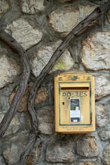 valensole comune francese cassetta posta