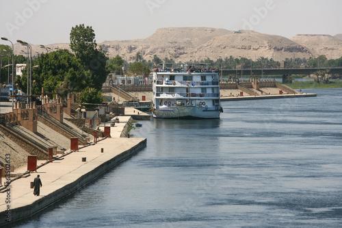 Fotobehang Algerije Life on the River Nile in Egypt