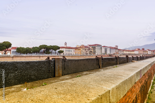 Protection bulkheads to river Arno