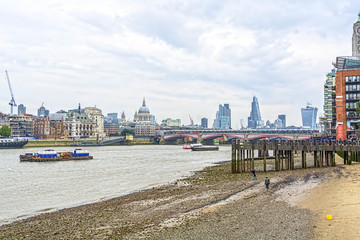 London skyline from the Themes river