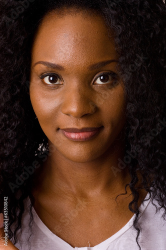 headshot of a beautiful young woman.