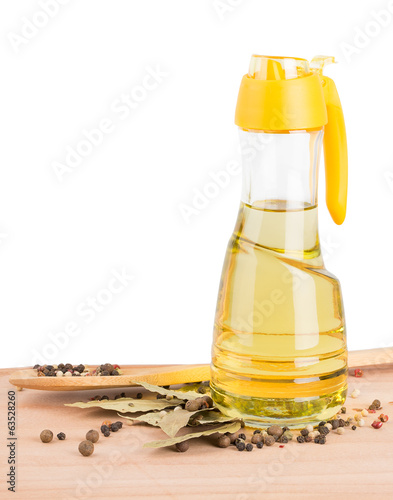 bay leaf, pepper, oil