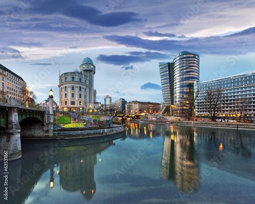Fotobehang Wenen Danube Canal of Vienna - Austria
