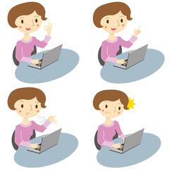 パソコン操作をしている女性