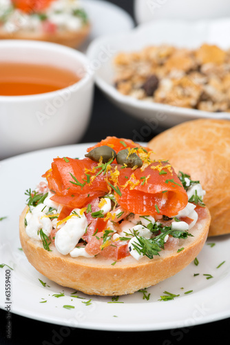 sandwich with a salad of cottage cheese, tomato and salmon
