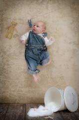 Newborn an der Wäscheleine