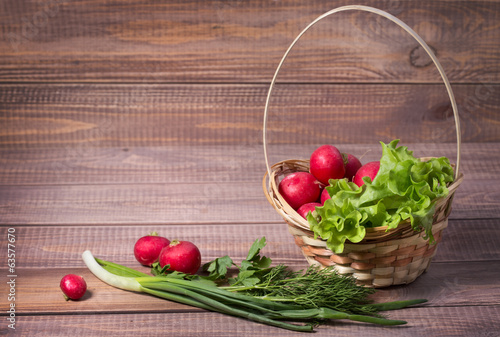 basket with radishes